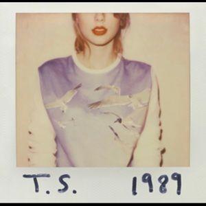Taylor Swift 1989 Keychain